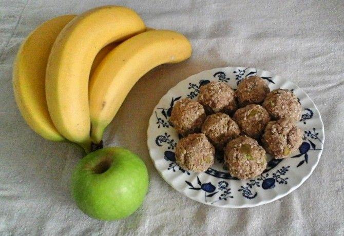 Almás quinoapehely-golyó