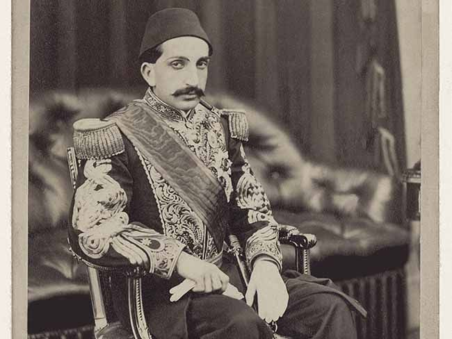 """heroes who donated to Irish famine relief Sultan of Turkey:Abdul Hamid II  was Sultan of the Ottoman Empire who had a liberal reputation and became involved in Famine relief for the Irish. First he wanted to send a fleet of ships but was warned off by the British. He donated one thousand pounds instead, leading to a poem in his honor being written in Dublin.  """"God bless the Turk, God bless the Turk God Bless the Turk for his Christian work"""