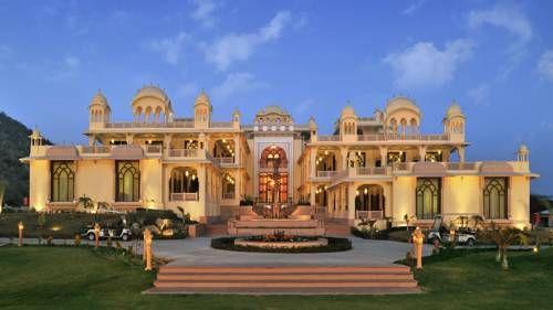 Rajasthali Resort & Spa - Inspiré de la culture royale du Rajasthan, le Rajasthali Resort & Spa de Jaipur donne sur les magnifiques collines d'Aravali. Une piscine extérieure et des soins spa sont disponibles. Adresse Rajasthali Resort & Spa: Delhi-Jaipur Highway Kukas 303101 Jaipur