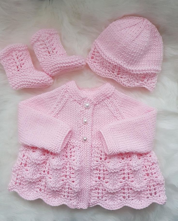 Isabella Baby Cardigan, Hat & Booties Strickmuster Strickmuster von Designs by Tracy D   – Knitting — Babies and Children