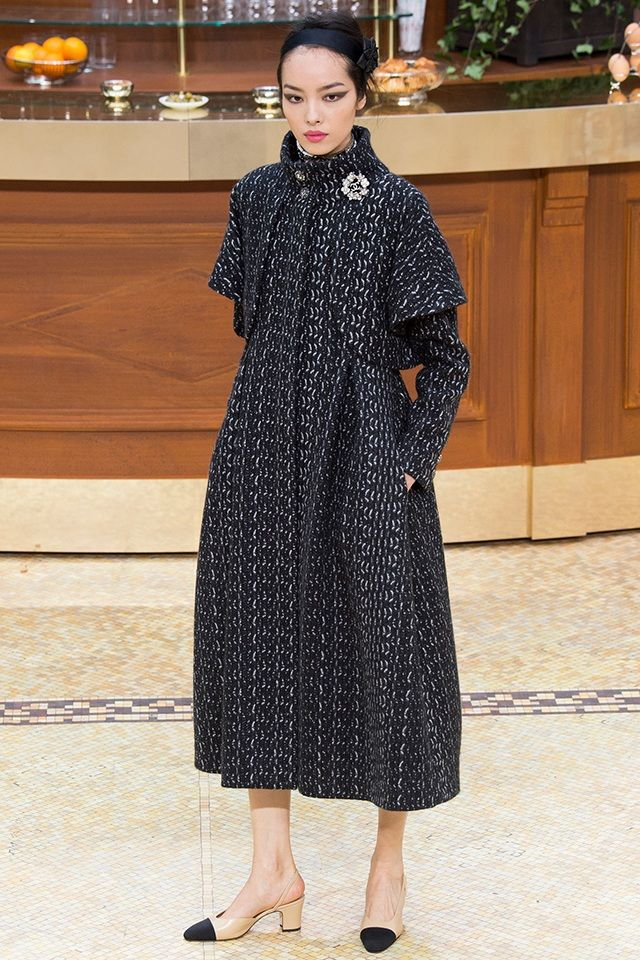 It's not your grandmother's tweed, look out for modernized uses of this familiar pattern. #chanel