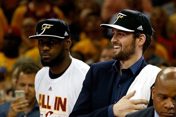 Kevin Love Re-Signs with Cavaliers: Latest Contract Details, Comments, Reaction