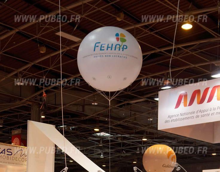 Ballon publicitaire d'1,80m de diamètre pour le Salon SANTÉ AUTONOMIE à Paris. Le logo sur le ballon et celui de la FEHAP : FÉDÉRATION DES ÉTABLISSEMENTS HOSPITALIERS & D'AIDE À LA PERSONNE