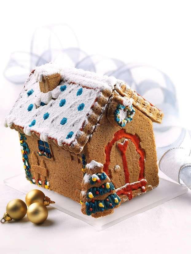 La casetta di pan di zenzero è un dolce di Natale fra i più tipici e anche fra i più scenografici da portare in tavola. Questa è la ricetta di Luca Montersino. http://www.alice.tv/ricette-natale/casetta-pan-zenzero-montersino