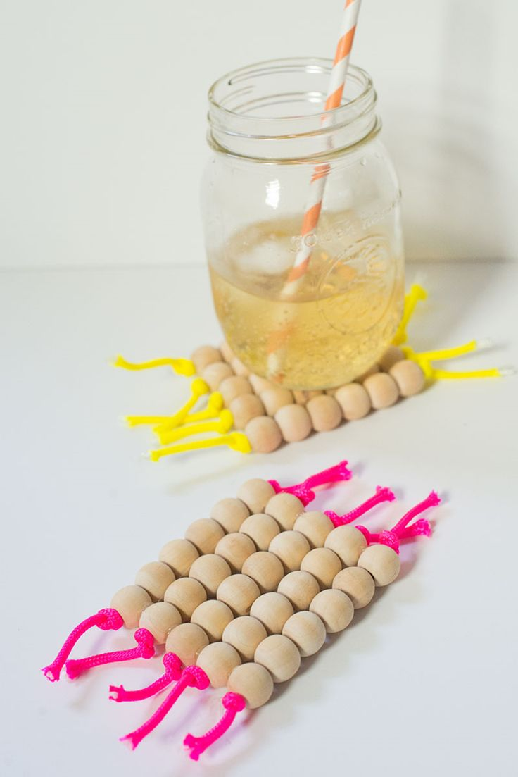 DIY: wooden bead and parachute cord coasters