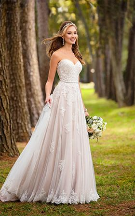 Offering a range of classic, structured A-line or a simple elegant mermaid style wedding dresses. Stella York has a range of beautiful gowns. Contact Anya Bridal Couture near Fareham today to learn more.