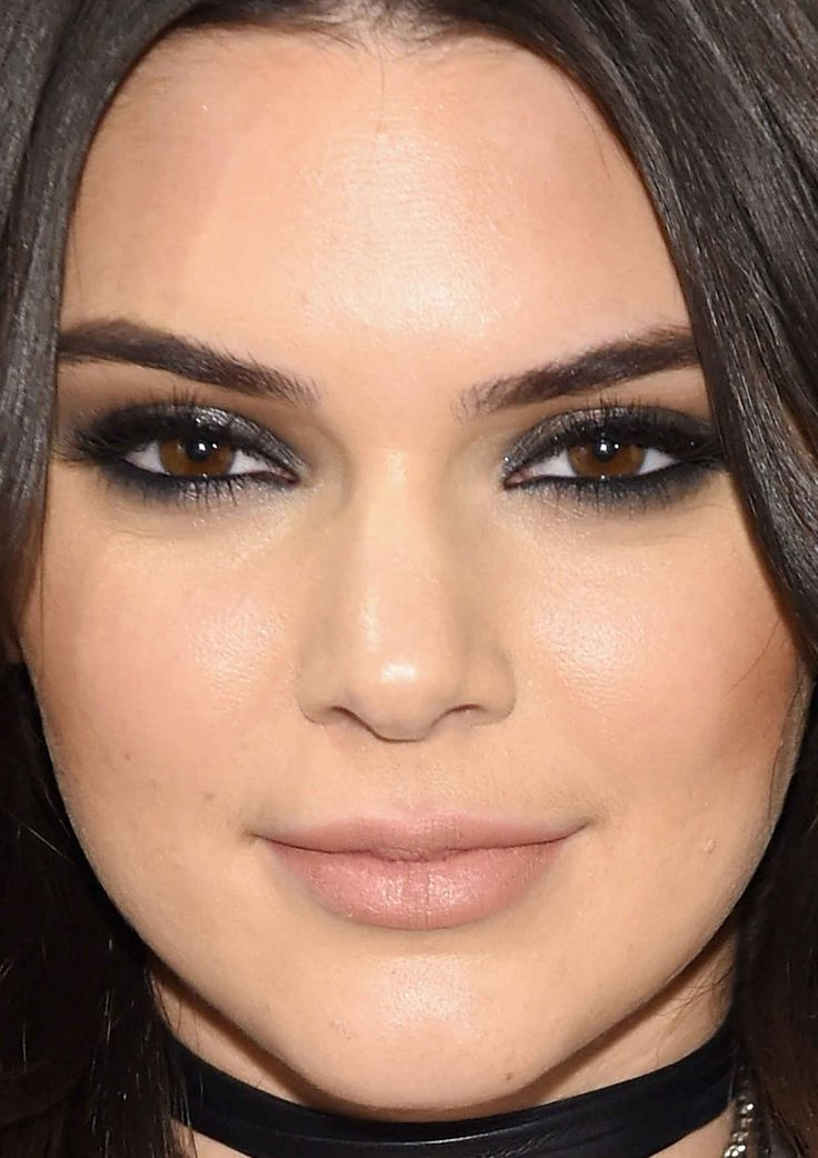 Close-up of Kendall Jenner at the 2016 launch of The Estée Edit by Estée Lauder.
