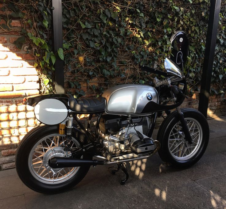 BMW R65 1981 finally at home.... #RCMotoGarage #BMW #caferacergram #caferacerstyle #caferacerxxx #caferacerporn #caferacerworld #caferacerculture #caferacersofinstagram #motoretteclub #mexico #mexico🇲🇽 @bmw_motorcycle @bmwclassic @boxermetal @caferacerinc @bavariancafe @bmwmotorrad.mexico @bmwmotorrad @black_list @pipeburn @specialcafemagazine @motorettemx @bubba.cc @returnofthecaferacers @cafe_culture @by_german @caferacersofinstagram @caferacergram @caferacerxxx @caferacerbmw…