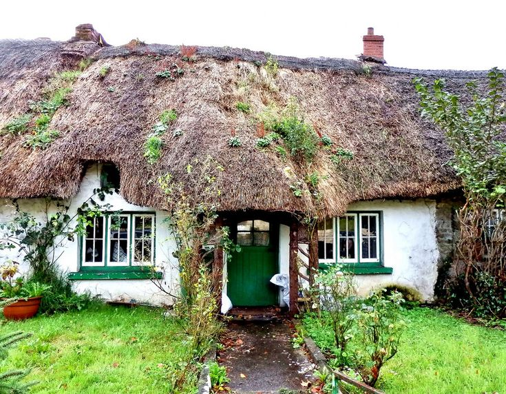 ireland co limerick adare cottage with tumbledown thatched roof. Black Bedroom Furniture Sets. Home Design Ideas