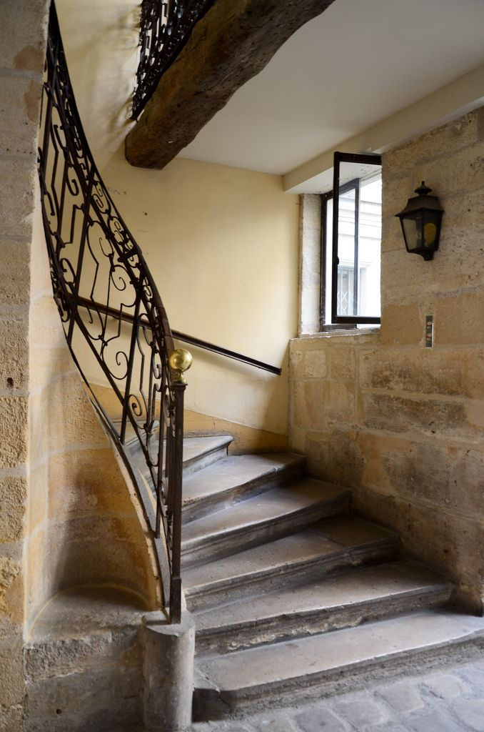les 57 meilleures images du tableau escaliers de paris sur pinterest escaliers paris france. Black Bedroom Furniture Sets. Home Design Ideas
