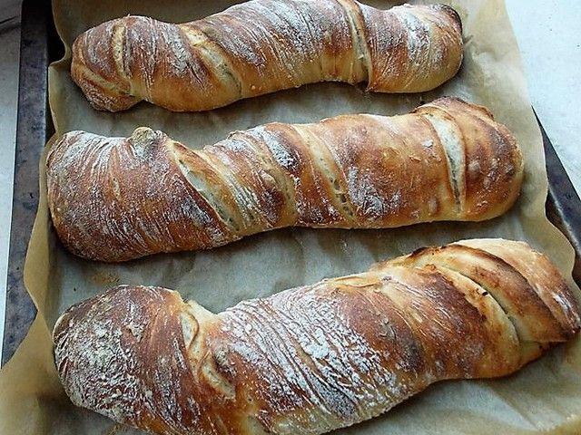 Olajbogyós és aszaltparadicsomos gyökérkenyér avagy pain paillasse
