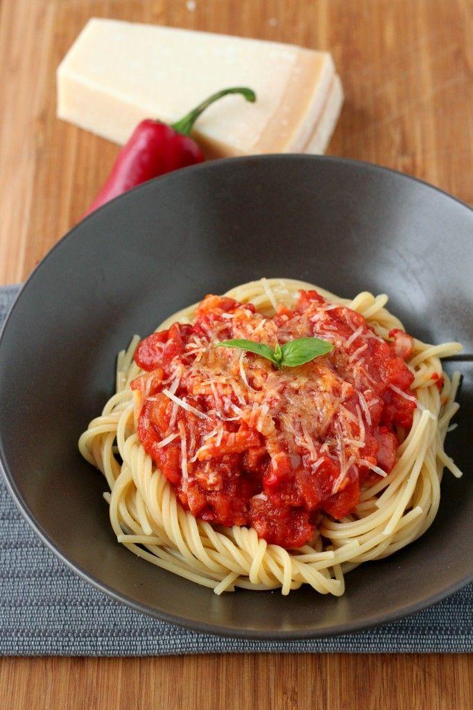 #Spaghetti all'amatriciana, #Lazio #cibo #gastronomia #enogastronomia #ricette #Italia #piatti