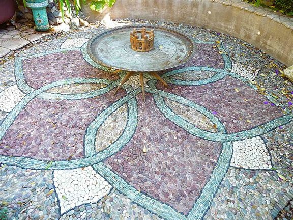 Jeffrey Bale: Art in Stone - Mosaic Pathways: Pebble Mosaics, Gardens Paths, Gardens Idea, Jeffrey Bale, Mosaics Design, Mosaics Tile, Gardens Pathways, Lotus Flower, Gardens Mosaics