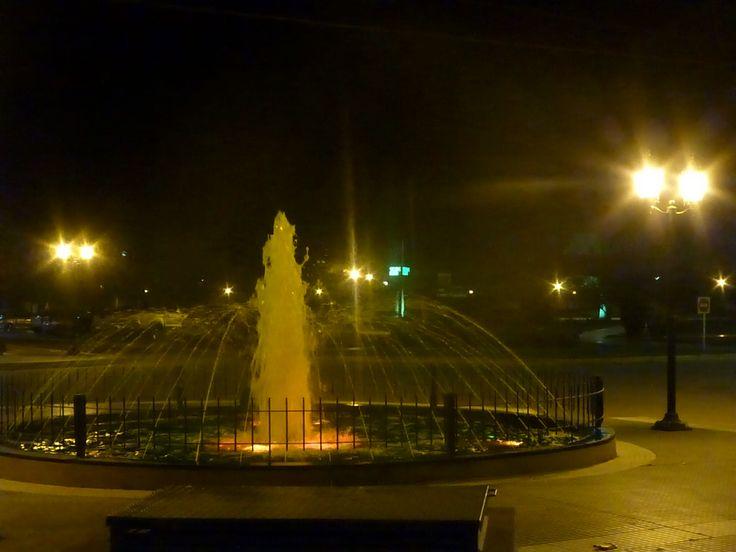 FUENTE frente a la PLAZA SAN MARTIN, ciudad de RECREO.