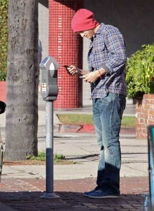 Ashton Kutcher in Cult Of Individuality Jeans trysten bootcut