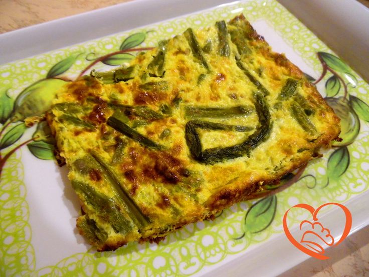 Frittata con asparagi http://www.cuocaperpassione.it/ricetta/5b361f4c-9f72-6375-b10c-ff0000780917/Frittata_con_asparagi