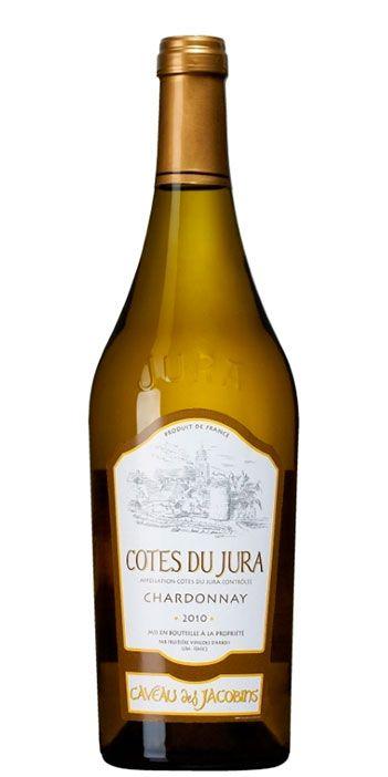 Äntligen ett vin från regionen Jura i det ordinarie sortimentet! Ett vin som är fullt av karaktär. Detta är ett friskt vin med smaker av citrus, fat och den typiska nötigheten.