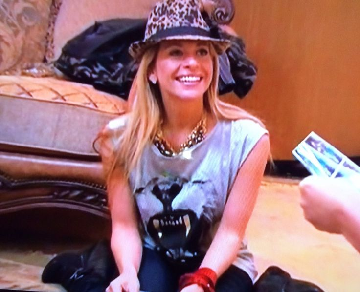 Dina Manzo's Roaring Lion Tee | Big Blonde Hair : Big Blonde Hair http://www.bigblondehair.com/real-housewives/rhonj/dina-manzos-roaring-lion-tee/