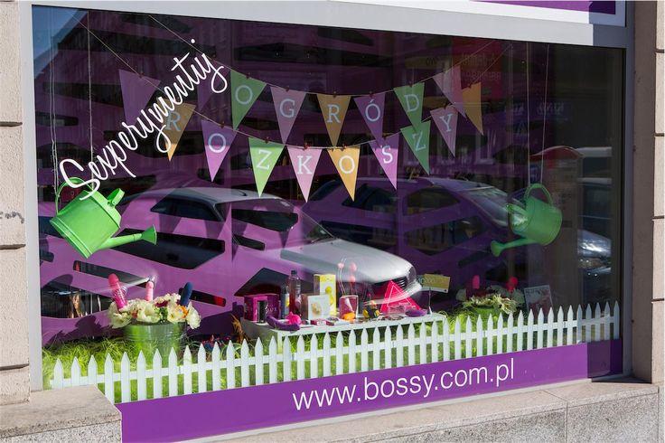 spring display - flower power :)  wiosenna witryna sklepu :)  #windowdisplay #bebossy #showroom #spring #beauty