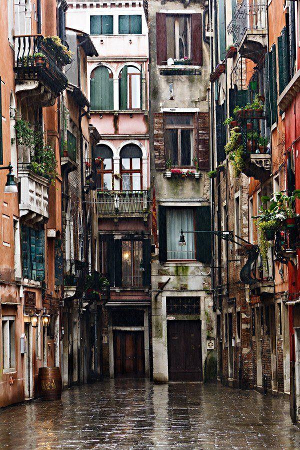 Venice, Italy / photo by Fabrizio Fenoglio