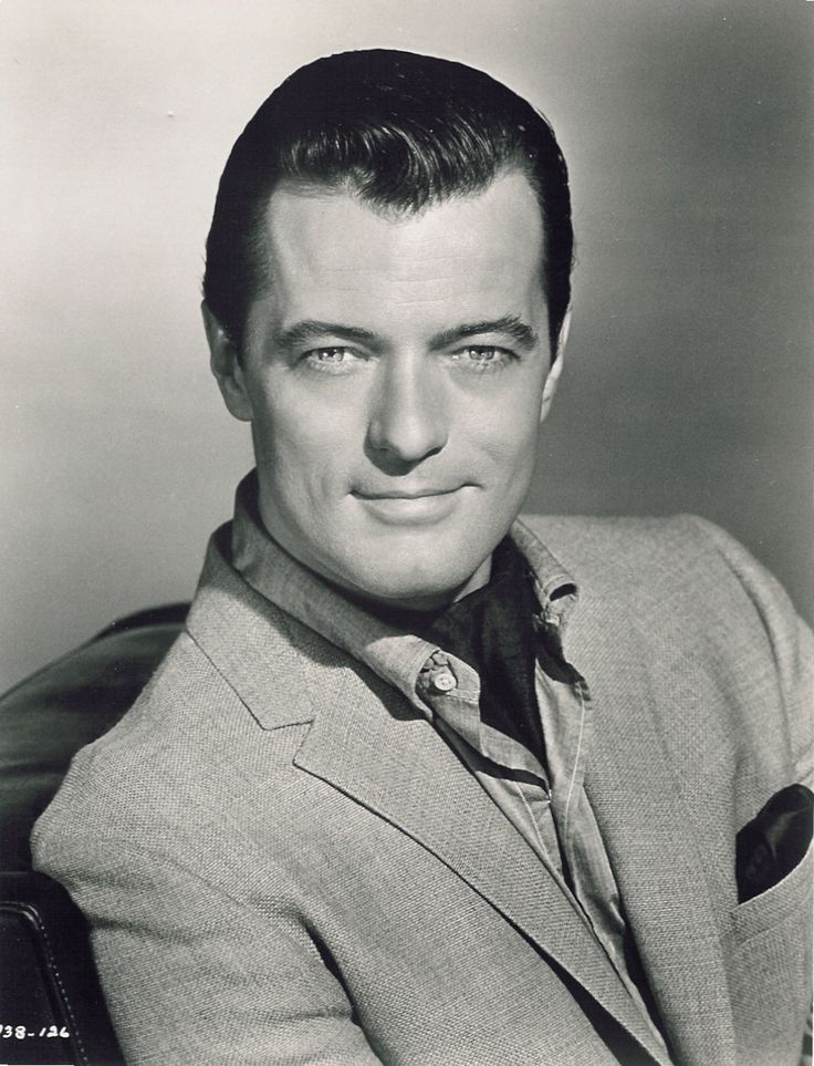 Actor-singer Robert Goulet played a spy in the 1966 TV series BLUE LIGHT.