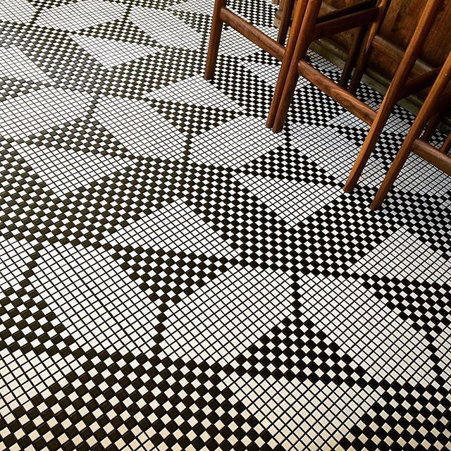 I was hoping someone would tag a pic from Sunshine and Co. in #dsfloors and finally someone did. Best floors in the biz. Thanks @eiramit for sharing this!