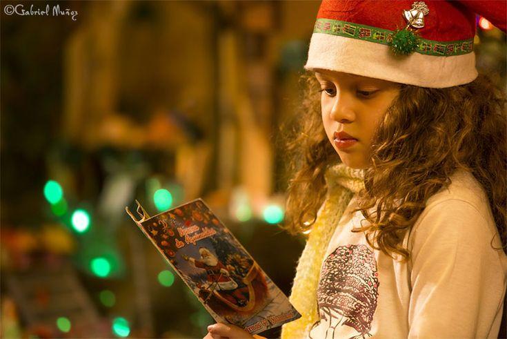 VALERIA PRAYING IN CHRISTMAS TIME