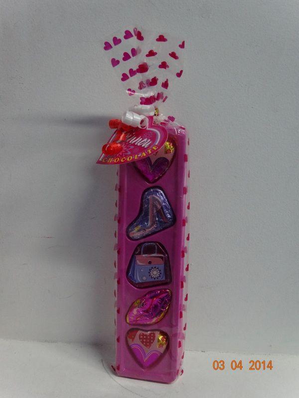 Barra de chocolates en forma de bolsas, corazones y zapatos de mujer. #ChocolatesParaRegalarPereira #ChocolatesPersonalizadosCali