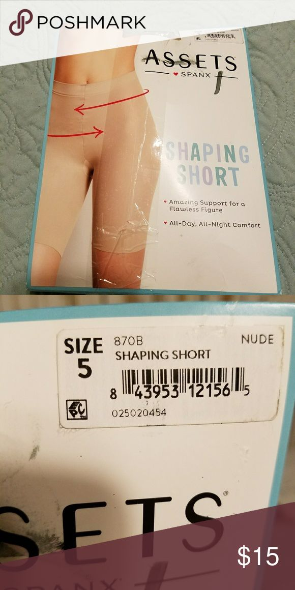 "Assets by Spanx shaping short nude xl Size 5- for 5'4""-6'... 220-265 lbs ASSETS by Sara Blakely Intimates & Sleepwear Shapewear"