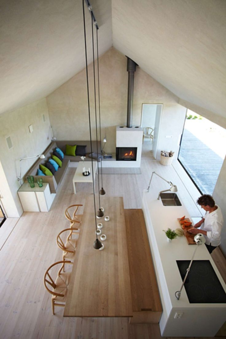On the island of Møn, by the Råbylille beach some 350 m from the water's edge, stands the bright, spacious and attractively modern Black+Bright house. Pure f...