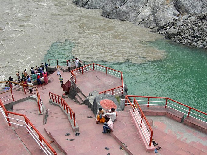 bhagirathi river and alaknanda meet at roam