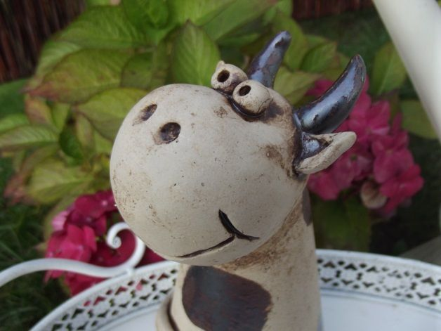Zaunhocker Kuh aus Keramik von Tongestalten auf DaWanda.com