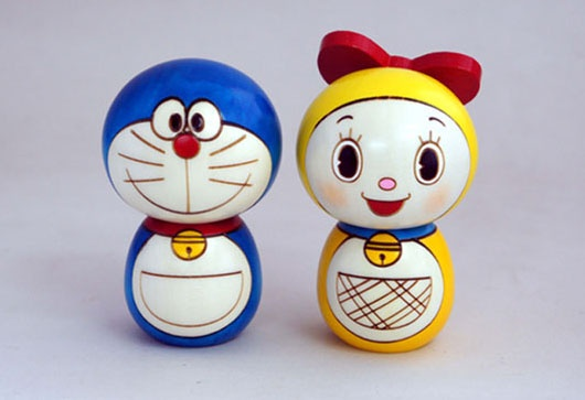 Muñeco Doraemon kokeshi