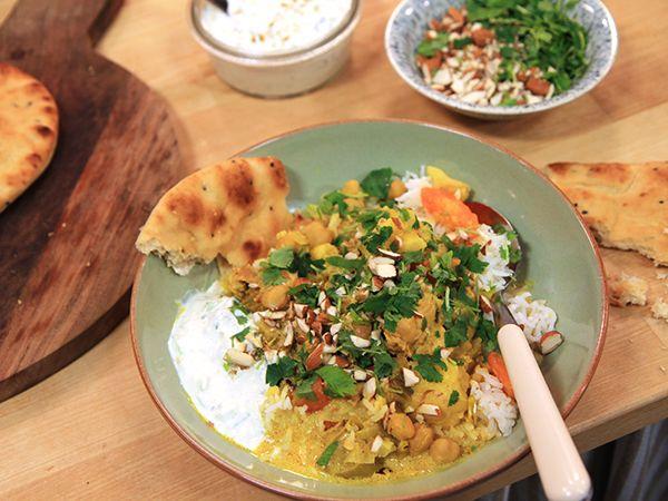 Indisk kycklinggryta med yoghurtraita | Recept.nu