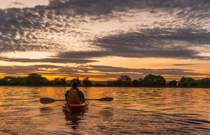 Local Canberra identity, Paul Jurak (aka the Kayakcameraman) took Travis Longmore Photography and his guests for an early morning kayak on Lake Burley Griffin. #humanbrochure