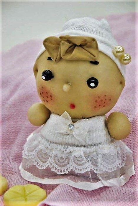 Bambolina Cipollina, realizzata con calze e perline!