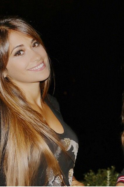 Antonella roccuzzo . Looove her hair color might be going lighter next time I dye it :D