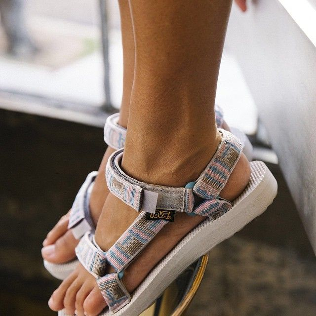 Make your music festival outfit pop from head to sole with new Teva Inca Originals from the Teva Artist Series.