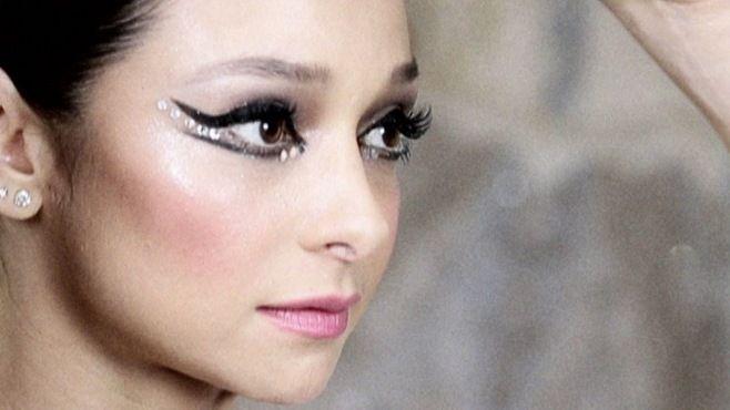 Chanel - Lisa Eldridge İle Balerin Makyajı Yapımı - Chanel makyaj uzmanı Lisa Eldridge ile Balerin makyajı yapımı (Royal Ballet Makeup Video)