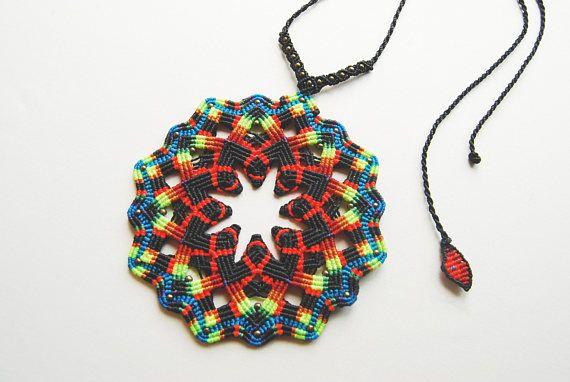 Mandala magique couleurs collier. Bijoux Bohème. Festival de