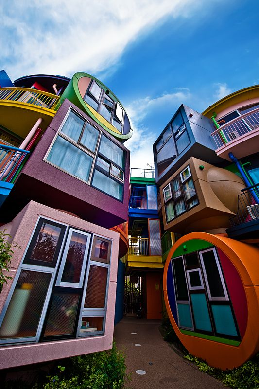 Colorful building block living I want to have a rotating display of photos like this--realistic & imaginative architecture for children to see, as they build in the block area.