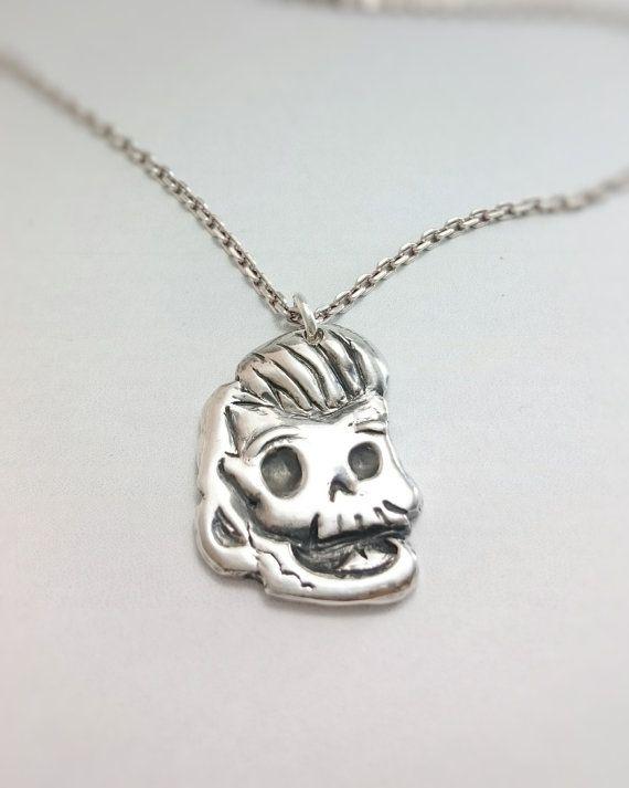 Happy regent Skull