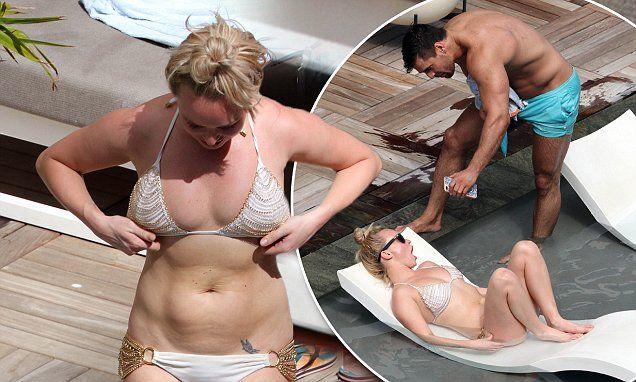 Bikini-clad Jorgie Porter flaunts her ample assets in Hawaii