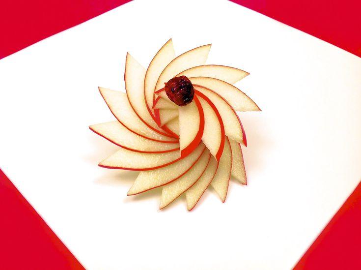 Comment Faire une Rosace avec une Pomme (HD)