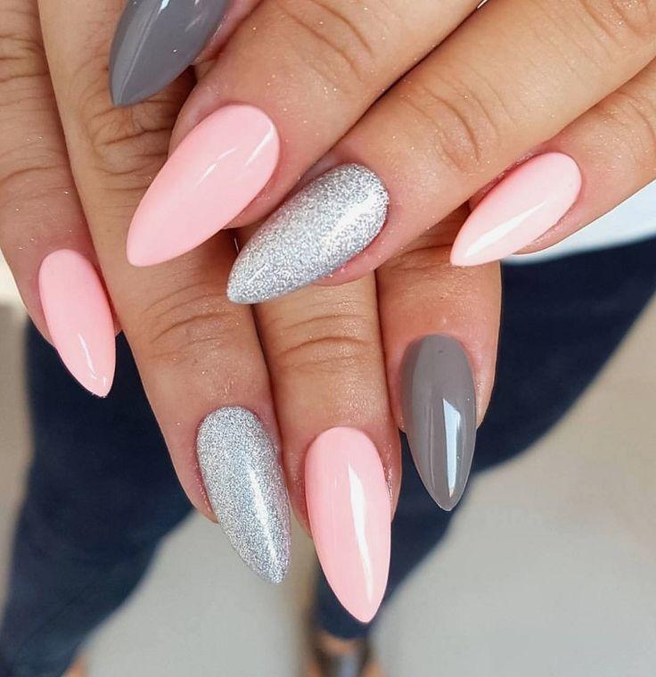 Acryl-Emaille grau und pink für lange Stiletto-Nägel   – Nägel –   #AcrylEmaille #für #Grau #lange #Nägel