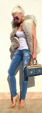 .am in love with this fur vest