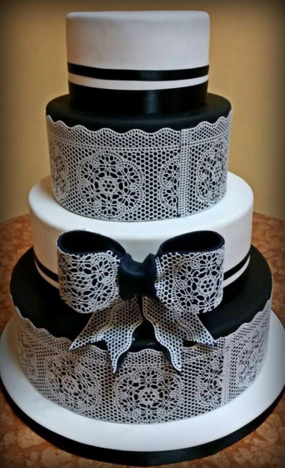 Black & White Lace Wedding Cake