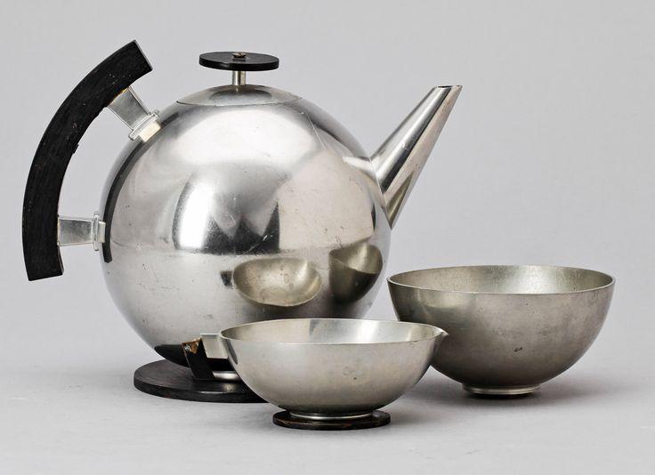 Teservis i tenn, tre delar, av Carl-Einar Borgström, 1936. Bukowskis Market.