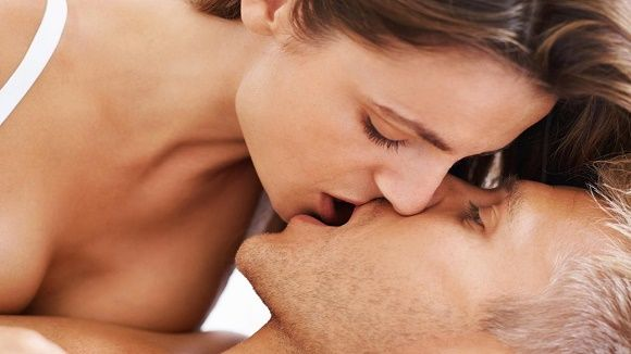 How to Kiss Passionately? | How to kiss passionately? Ways to kiss passionately and romantically. Best kissing tips. Ways to kiss a guy. Ways to kiss a girl. How to french kiss?