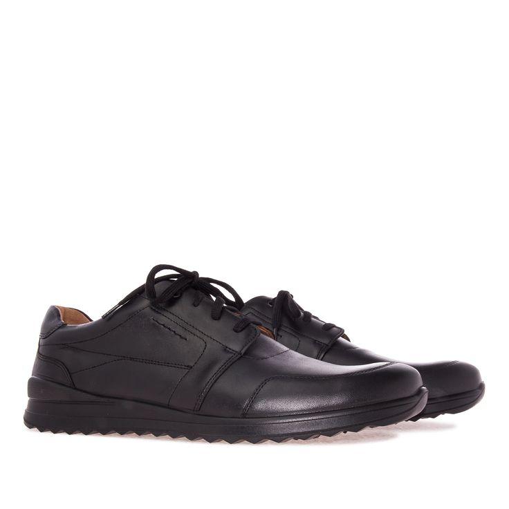 Zapato de estilo Deportivo en cuero Negro con cordones del mismo color…